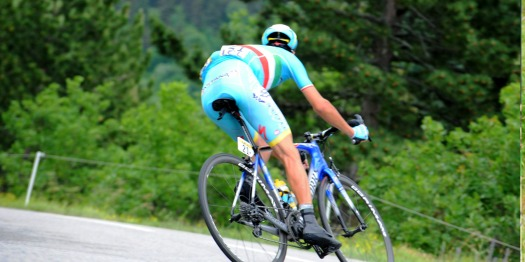2015-criterium-du-dauphine-nibali-vincenzo-astana-descending-wet-conditions-italy-italian