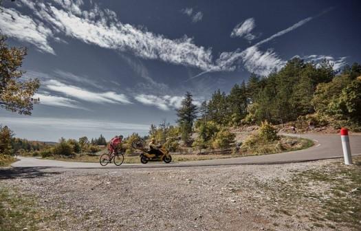 riding-mont-ventoux-corner